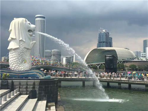 新加坡总统哈莉玛正式接种第1剂新冠疫苗