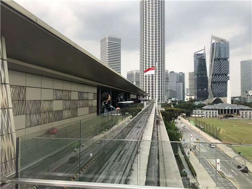 新加坡防疫升级,公众去超市、坐公交必须戴口罩!